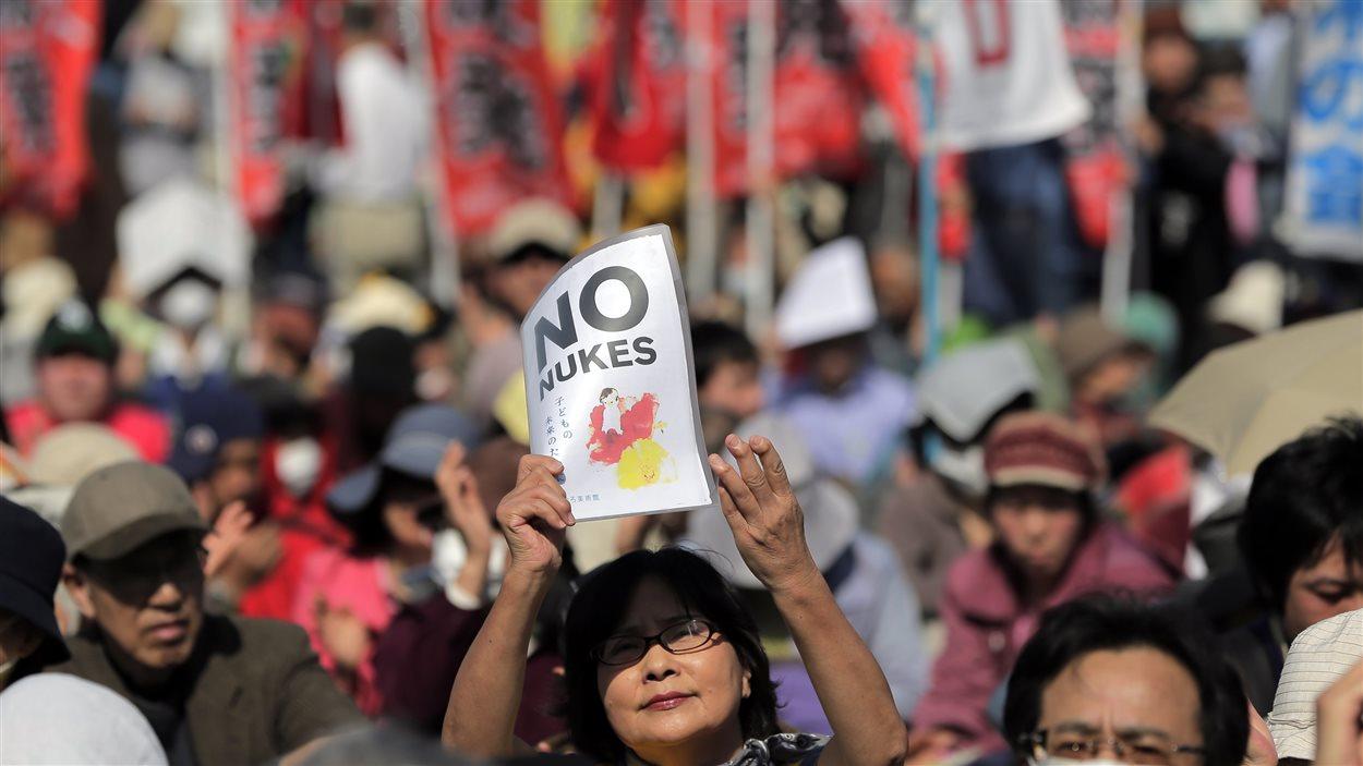 Des milliers de Japonais ont manifesté dans les rues de Tokyo pour la sortie du nucléaire.