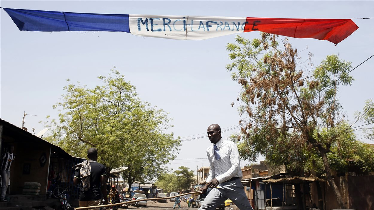 Une banderole remerciant la France pour son intervention au Mali, à Bamako.