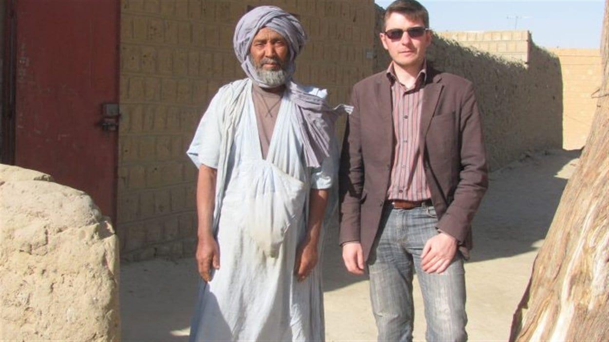 Pierre Piccinin da Prata en compagnie d'un arabe malien