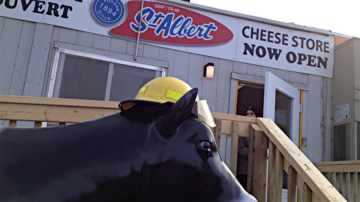 La fromagerie St-Albert ouvre temporairement pour vendre la production entreposée au moment de l'incendie.