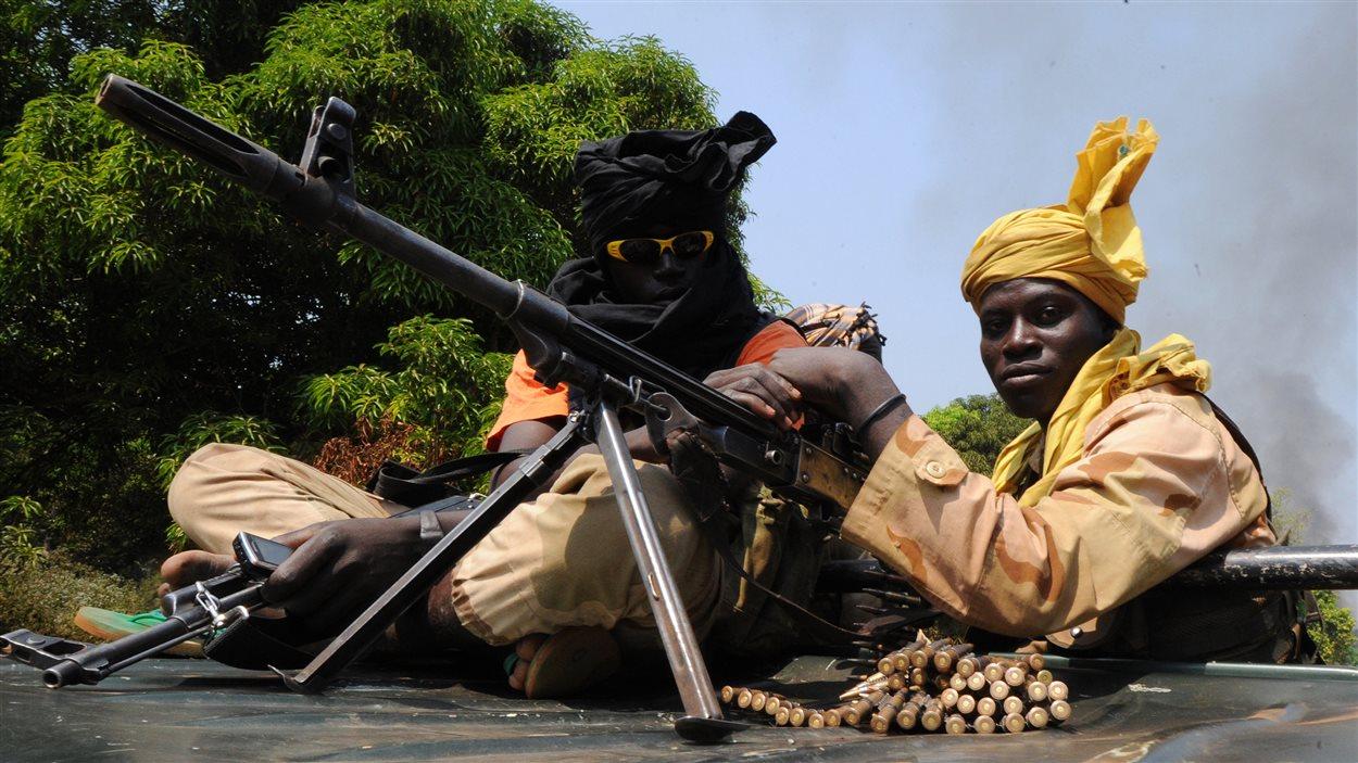 Des rebelles du Séléka dans la ville de Damara. Le Séléka a annoncé qu'il rompait la trêve conclue avec le gouvernement en janvier 2013