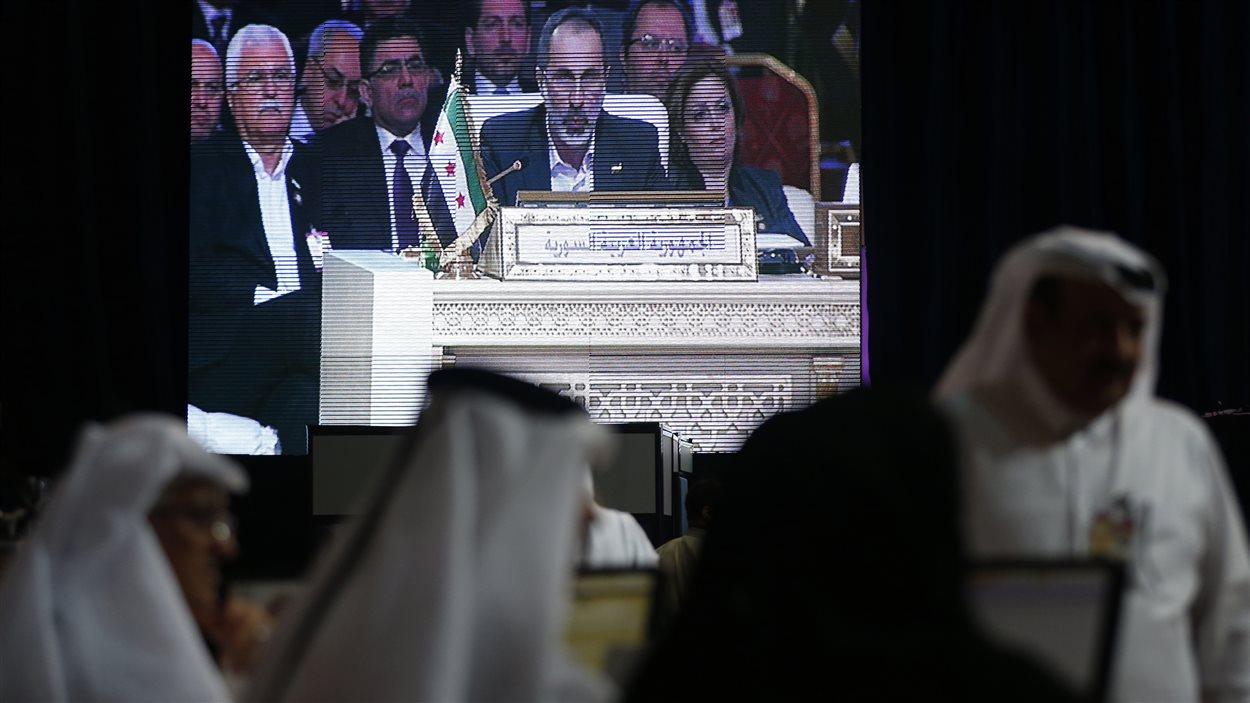 Le chef de la Coalition nationale syrienne s'exprime devant les pays membres de la Ligue arabe.