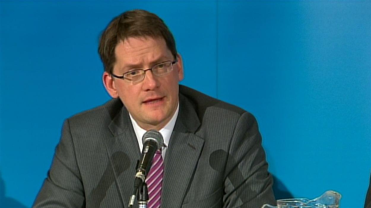 Le ministre des Trransports, Sylvain Gaudreault