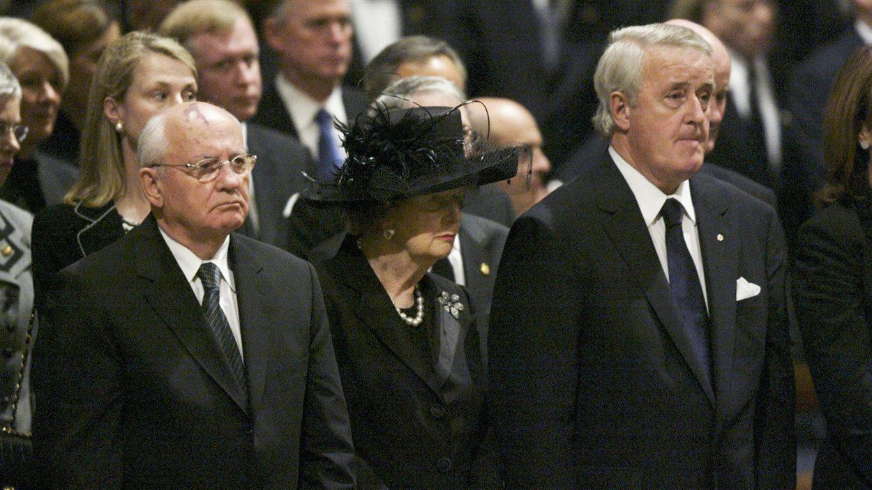Mickhail Gorbatchev, Margaret Thatcher et Brian Mulroney lors des funérailles de Ronald Reagan en 2004 à Washington.
