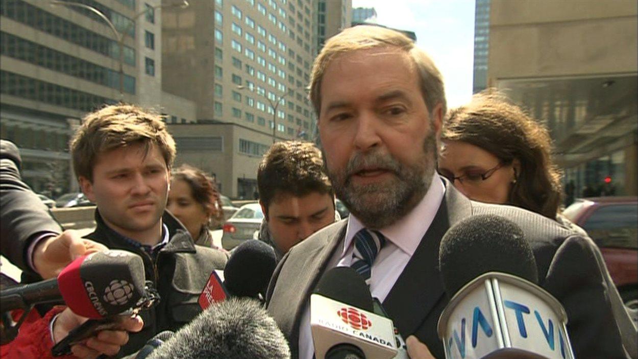 Thomas Mulcair a réagi à la décision de la Banque Royale de recourir aux services de la firme de sous-traitance indienne iGATE, le 8 avril 2013