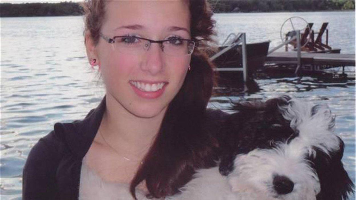 Rehtaeh Parsons de Halifax en Nouvelle-Écosse avait 17 ans quand elle s'est suicidée