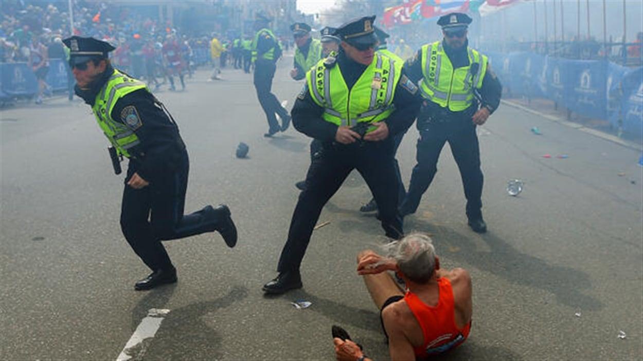 La police de Boston juste après l'explosion