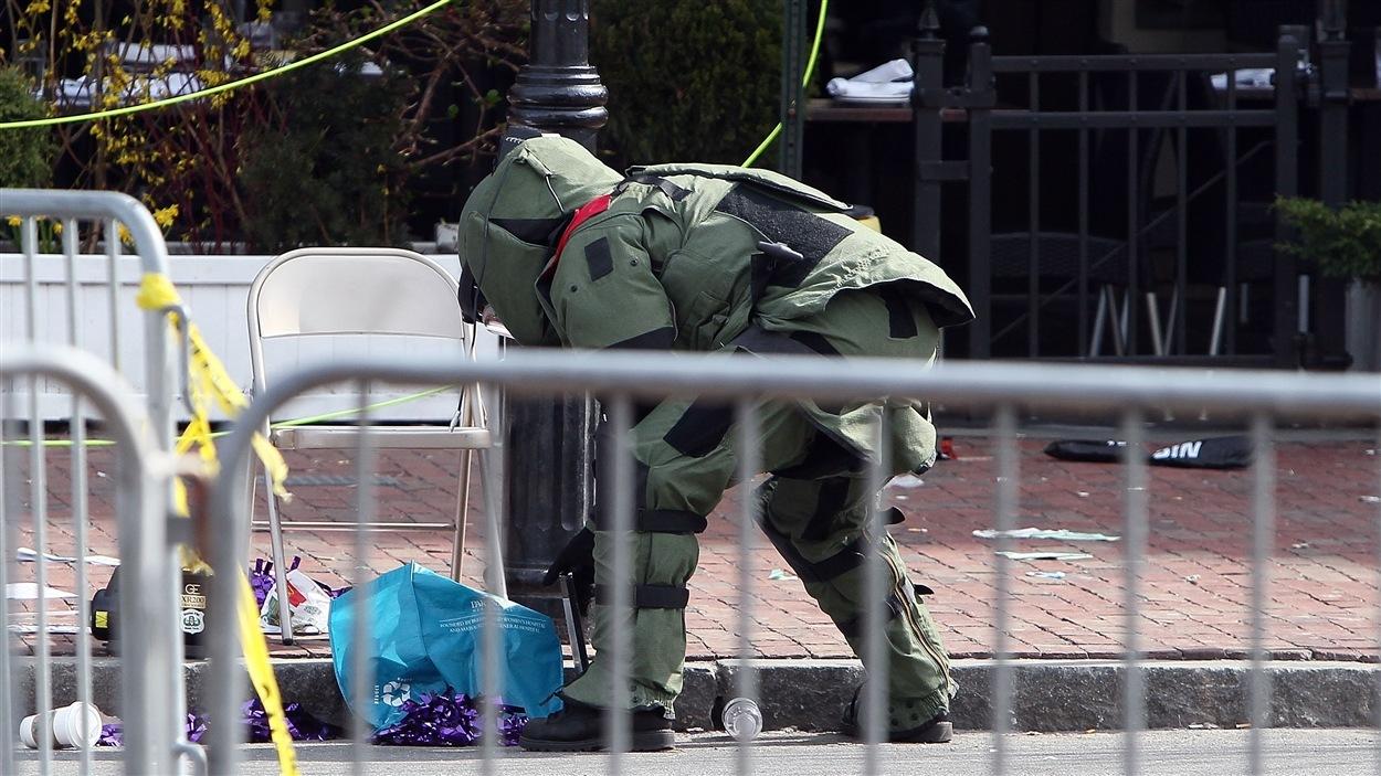 Explosions au fil d'arrivée du marathon de Boston : les premières images