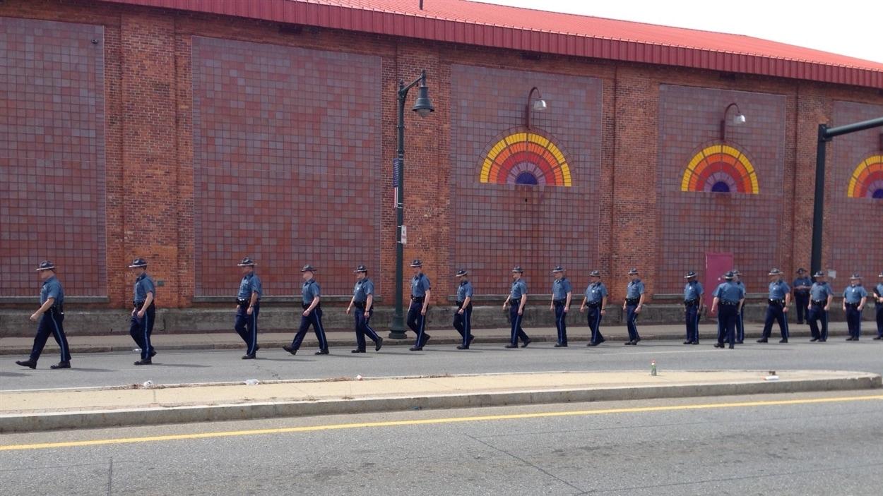 Agents de la police de l'État