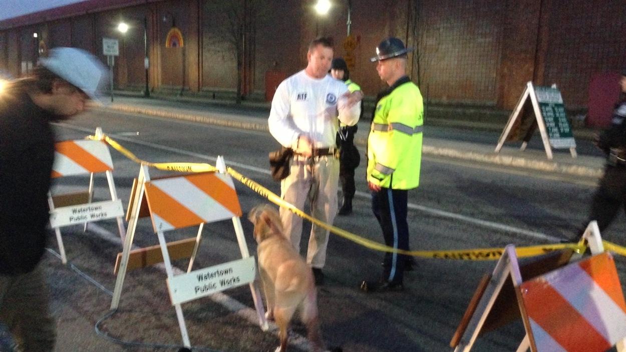 Les policiers sur les dents à Watertown