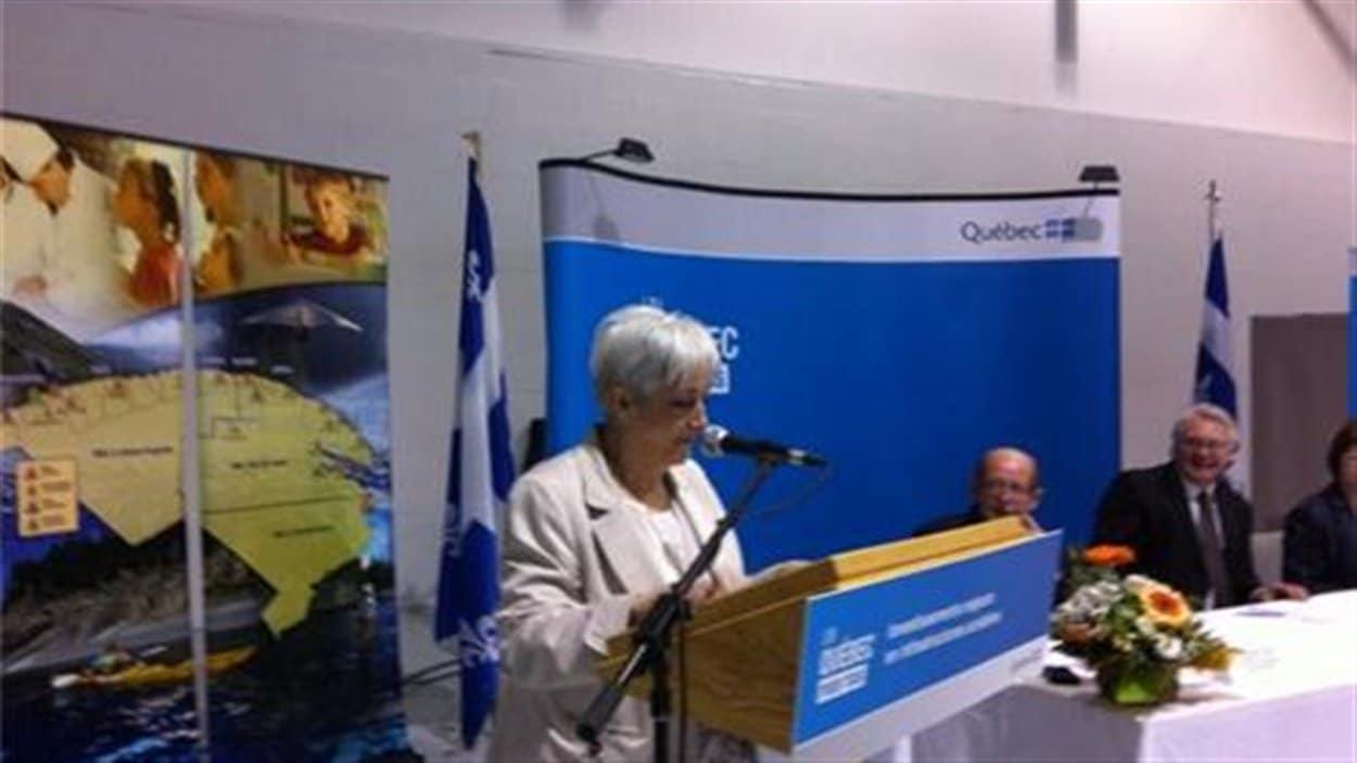 La mairesse de Ste-Anne-des-Monts, Micheline Pelletier.