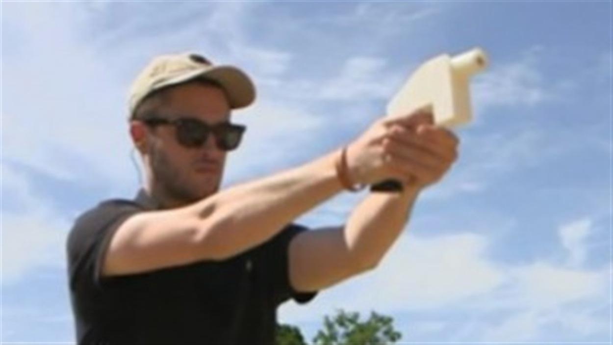 Image provenant de la vidéo tournée par les fabricants du pistolet de plastique.