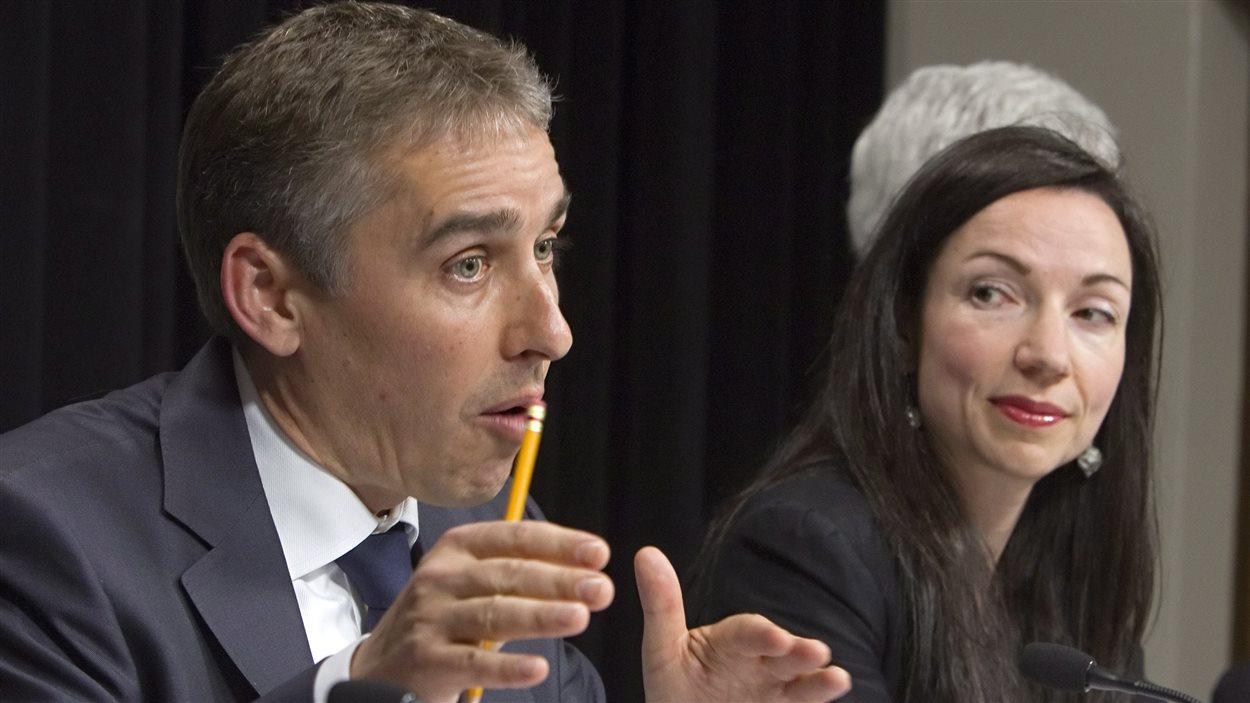 Les ministres Nicolas Marceau et Martine Ouellet en conférence de presse