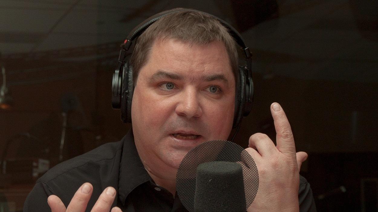 Le journaliste Étienne Leblanc.