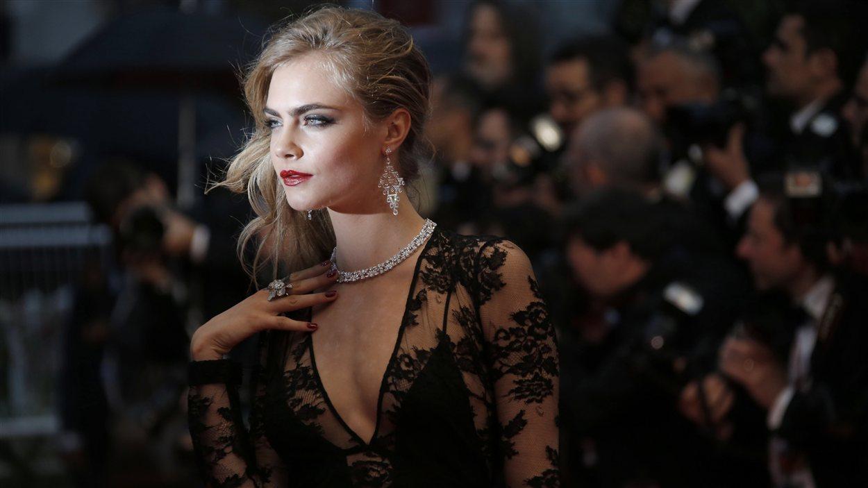 Cara Delevingne sur le tapis rouge de la première cannoise de Gatsby le magnifique
