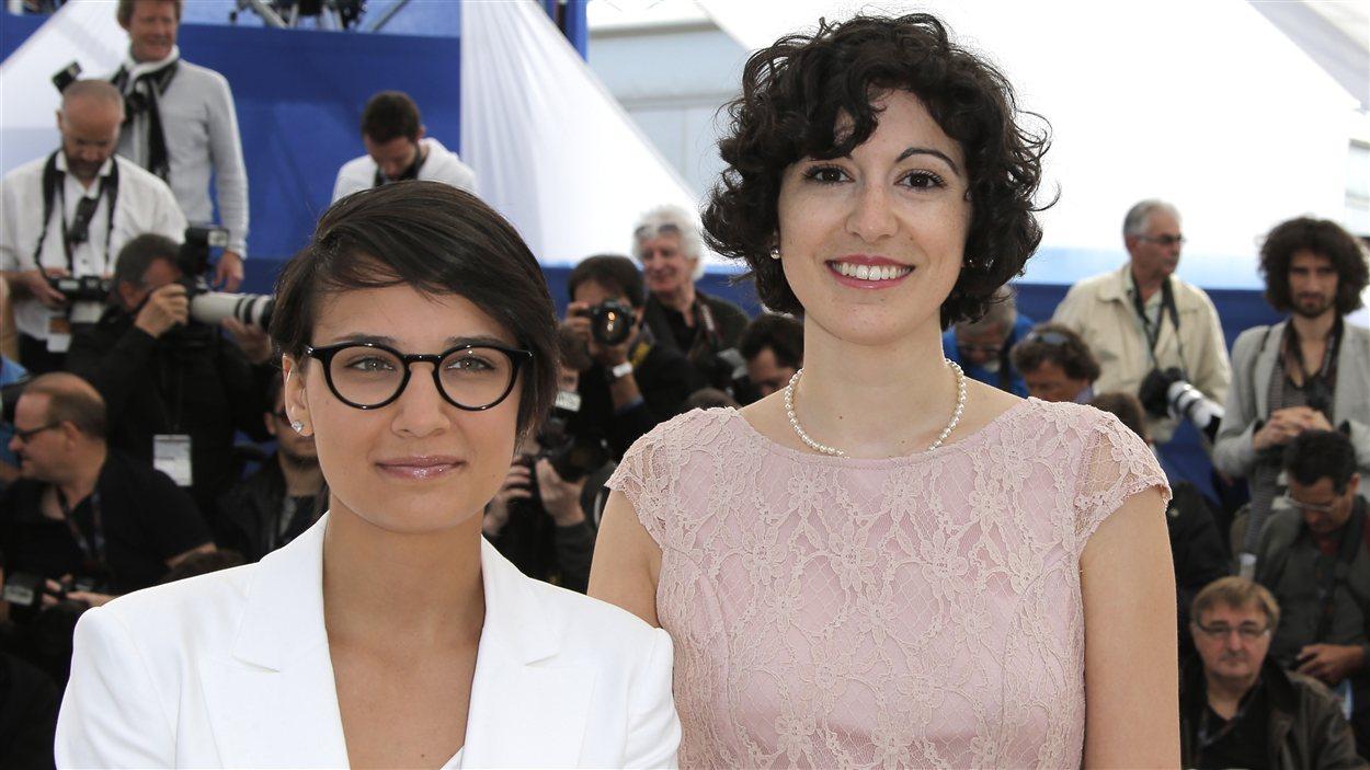 La réalisatrice Chloé Robichaud et la productrice Fanny-Laure Malo lors d'une séance photo pour le film Sarah préfère la course de Chloé Robichaud à Cannes
