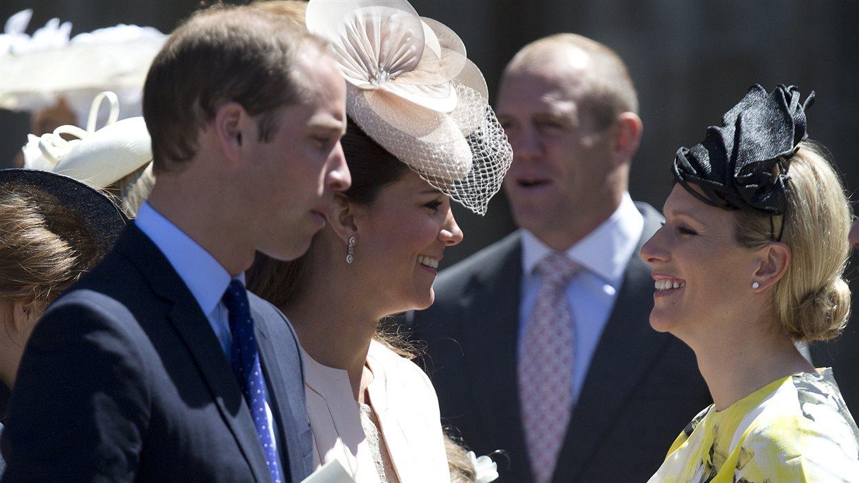 Le duc et la duchesse de Cambridge discutent avec Zara Phillips, descendante de la reine.
