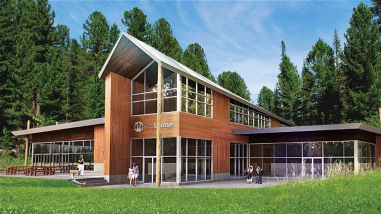 Le Centre ecoLarose sera construit au coeur de la forêt Larose, dans l'Est ontarien.