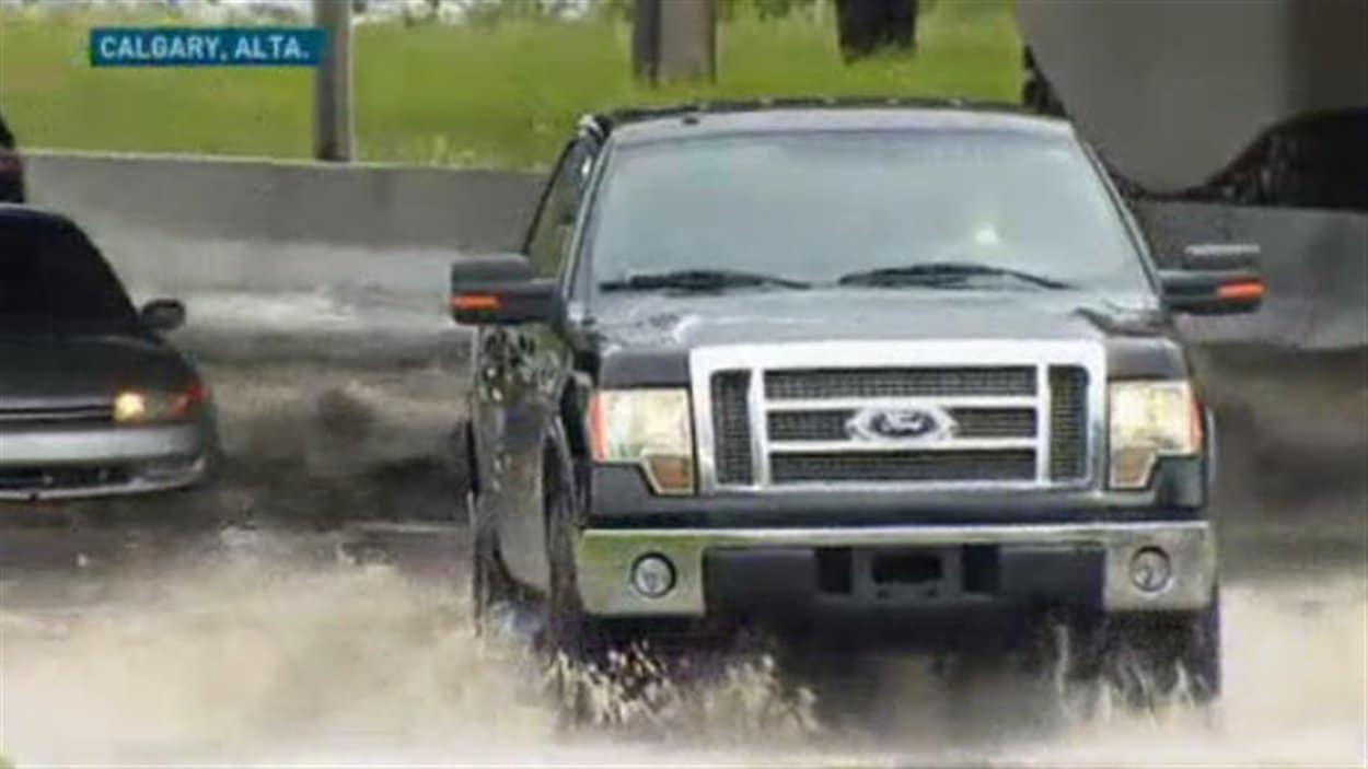 Près d'une vingtaine de quartiers de Calgary ont fait l'objet d'un ordre d'évacuation à cause des risques d'inondations.
