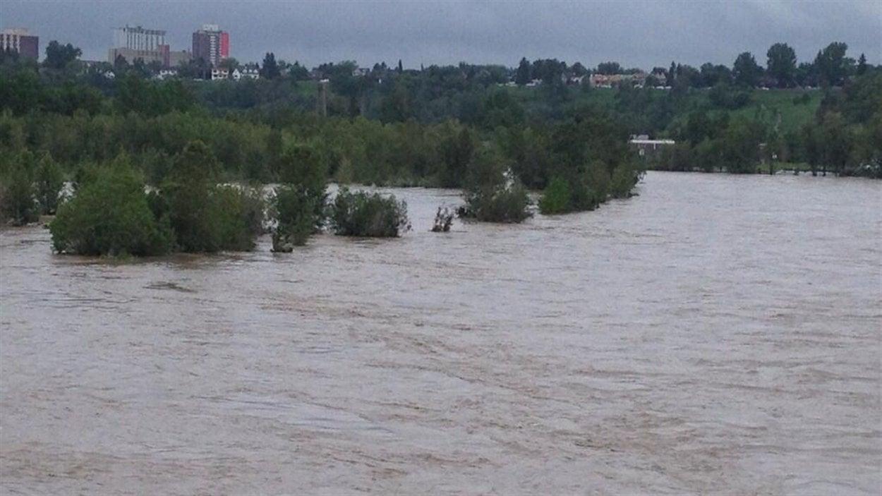 La rivière Bow, vue du pont Centre Street.