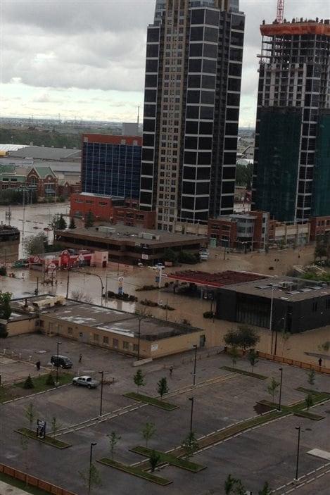 Jeff Read, un ancien résident de Winnipeg qui travaille maintenant comme géologue à Calgary, a pris cette photo de la ville du haut du 11e étage de son immeuble.