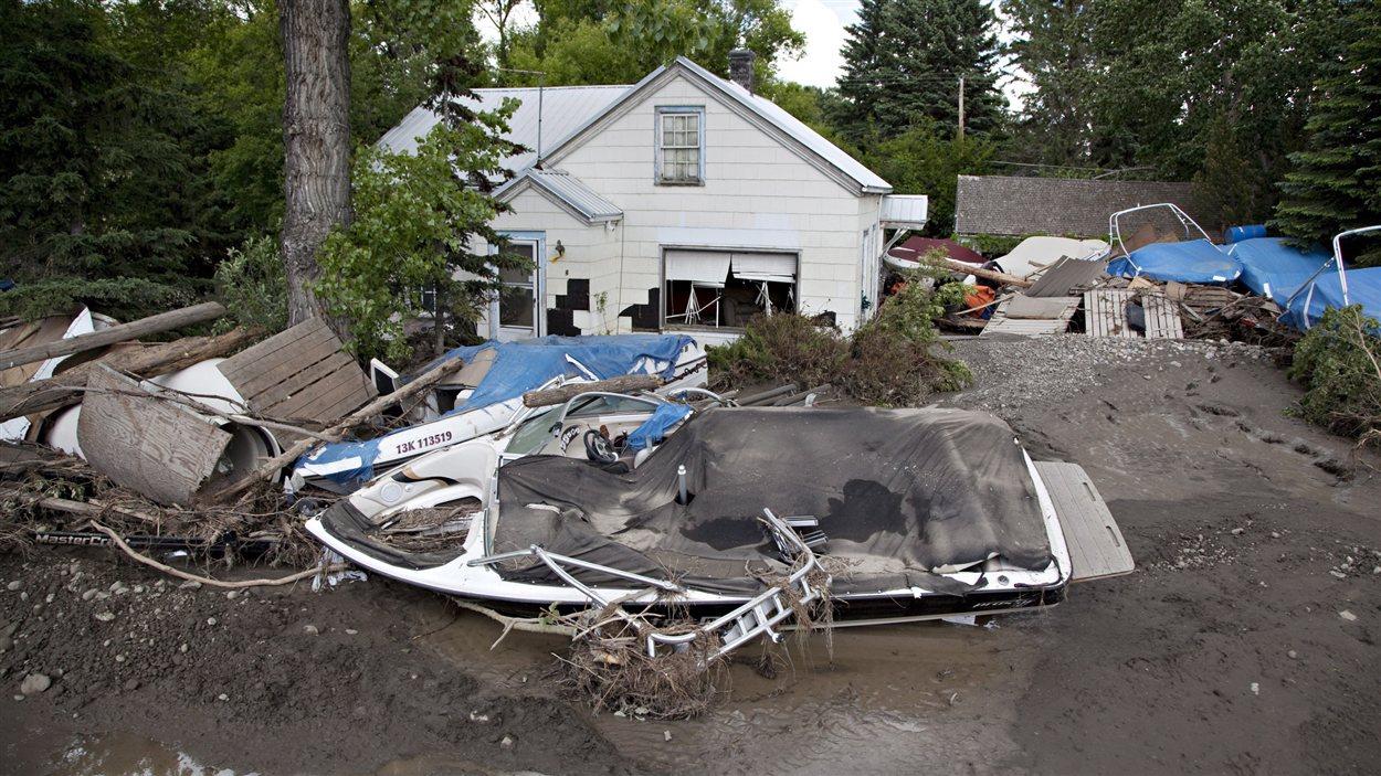Les dégâts des inondations à High River, en Alberta