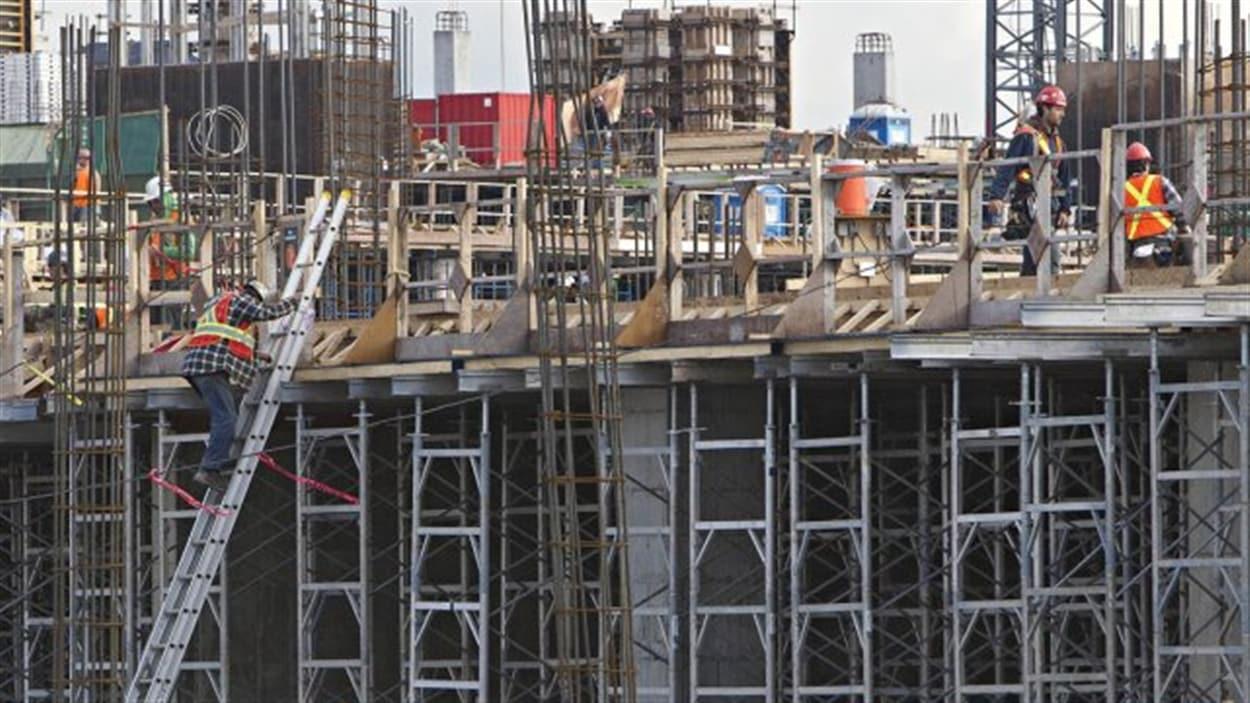 Retour au travail sur les chantiers de construction