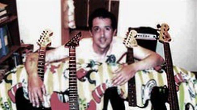 Cette photo de John Stewart Nuttall a été mise en ligne sur un site web de musique Reverbnation.