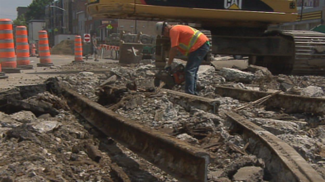 Les rails ont été trouvés sur le chemin Sainte-Foy