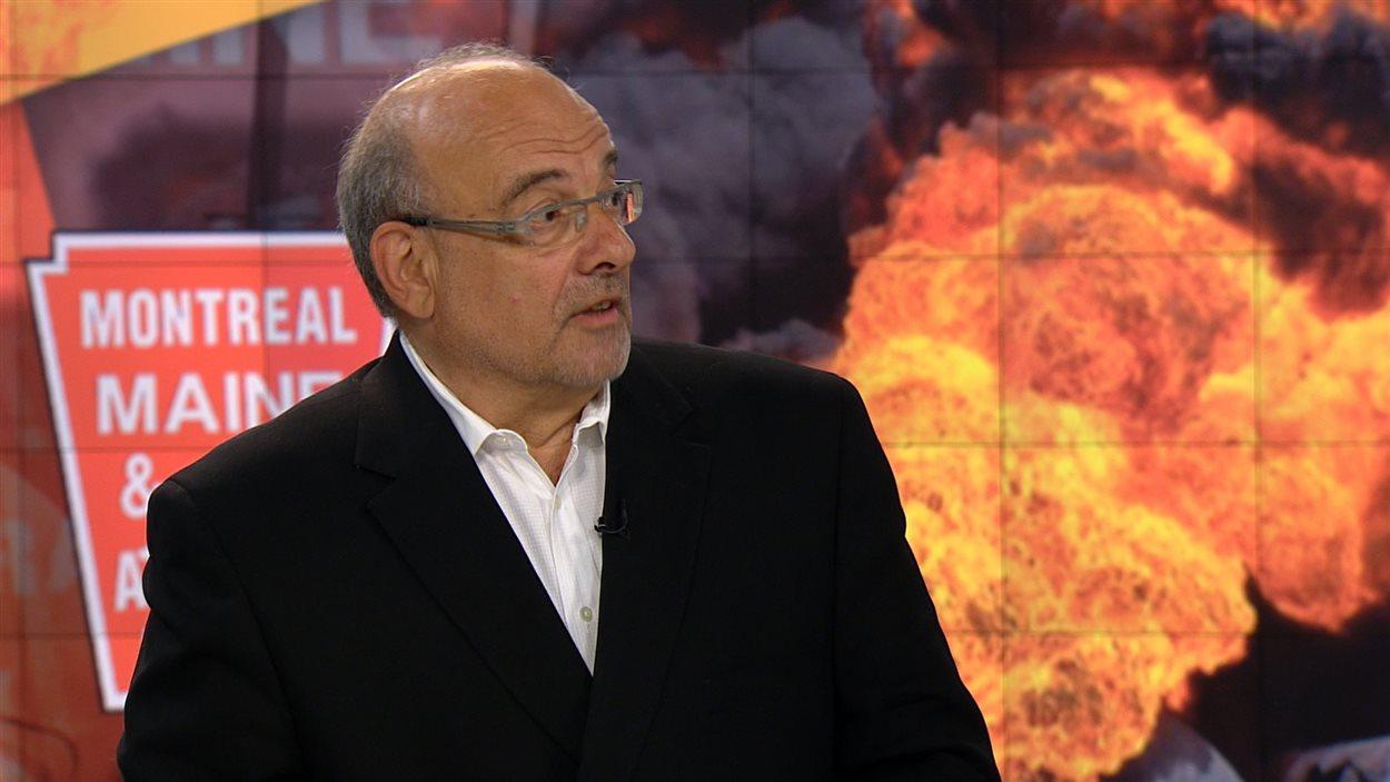 Bernard Motulsky, professeur en relations publiques à l'UQAM, en entrevue à RDI le 9 juillet 2013