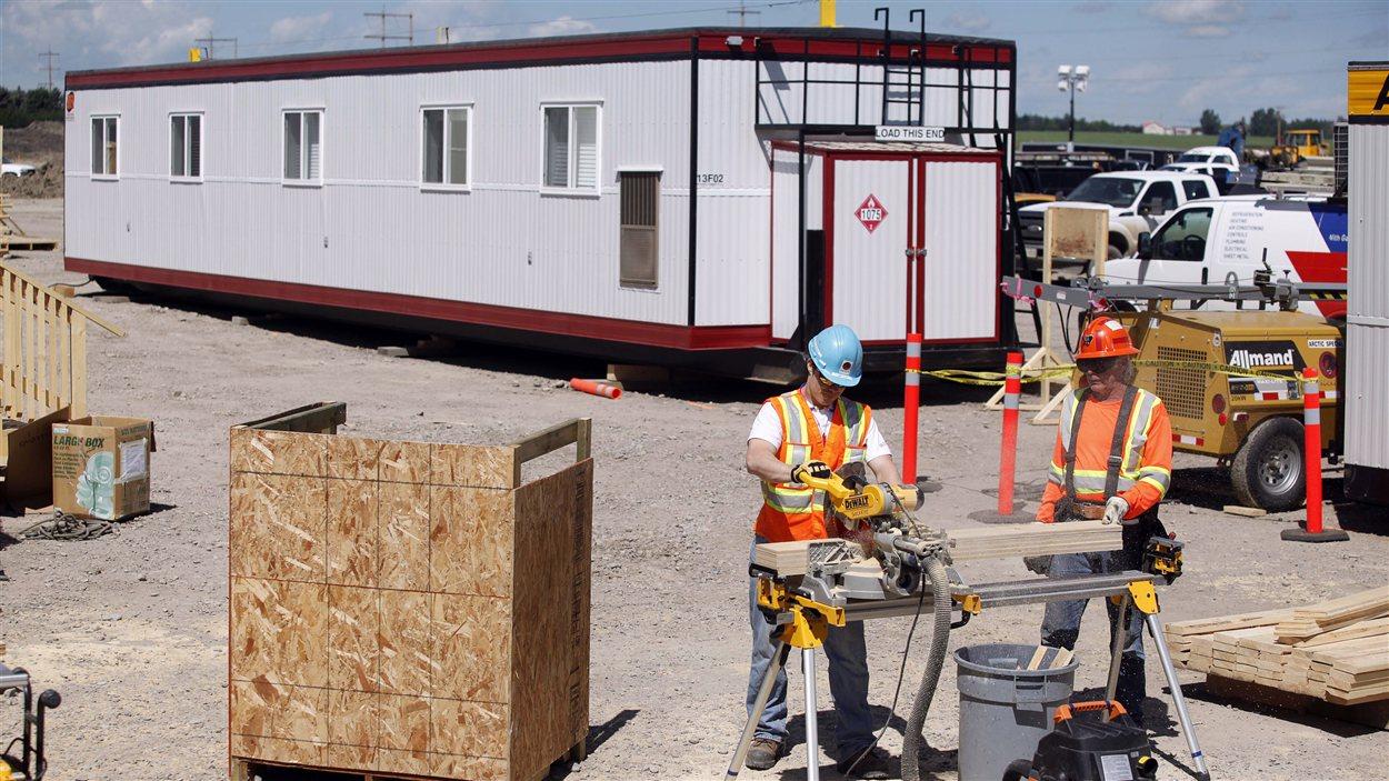 Des logements temporaires ont été construits près de High River pour héberger les sinistrés des inondations de juin 2013 dans le sud de l'Alberta.