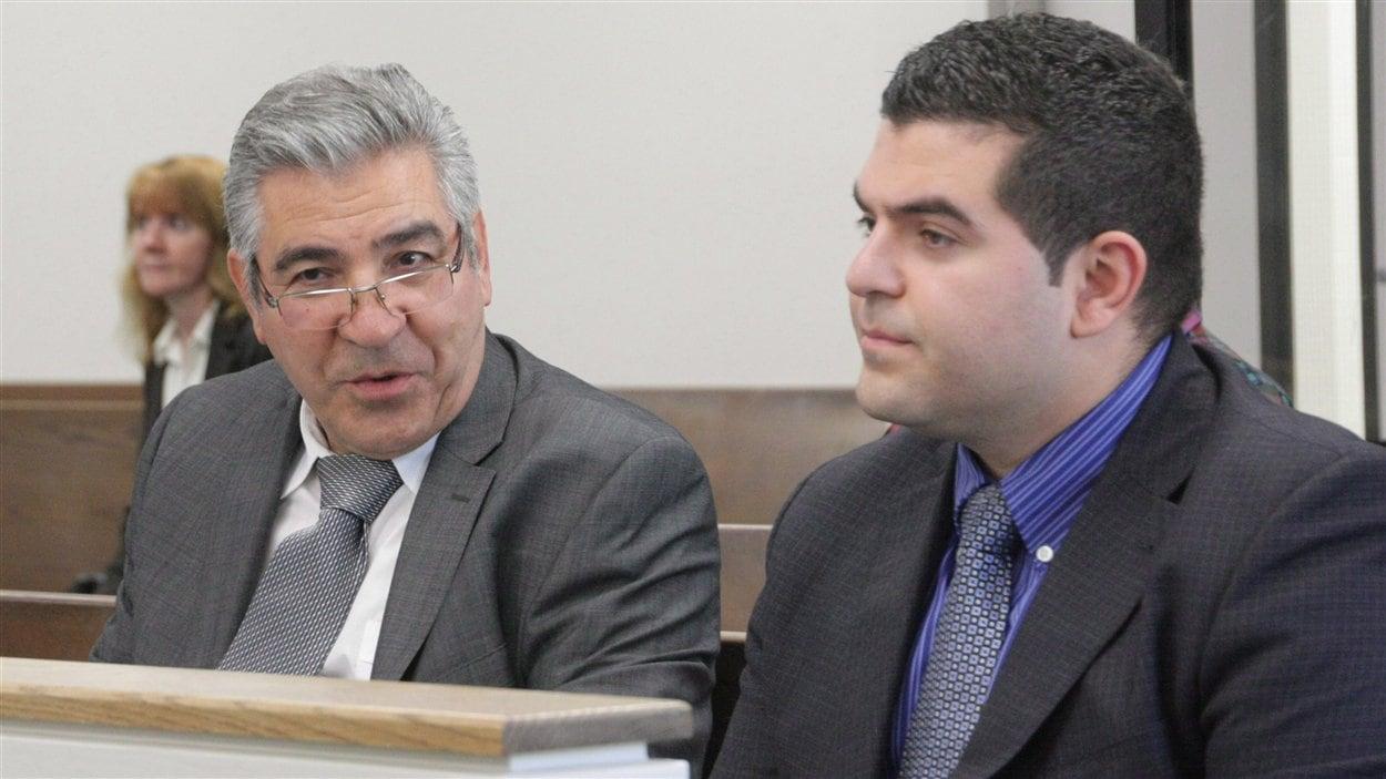 Levon Nazarian (droite) en compagnie de son père, Robert, étaient propriétaires du Centre Algo.