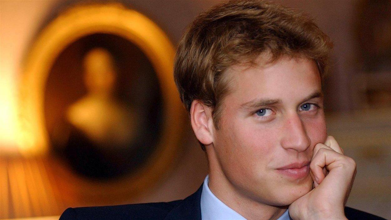 Le prince William avant son entrée à l'université St. Andrews, le 21 septembre 2001.