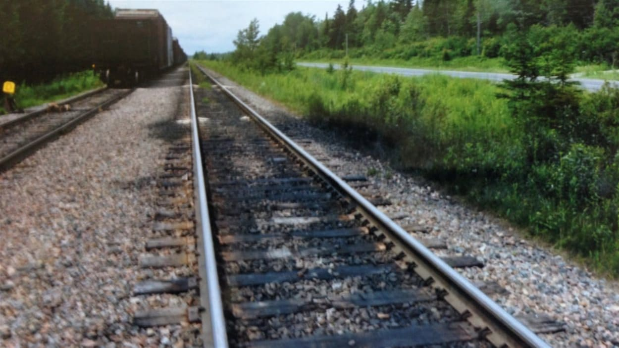 Traces d'huile sur une voie ferrée