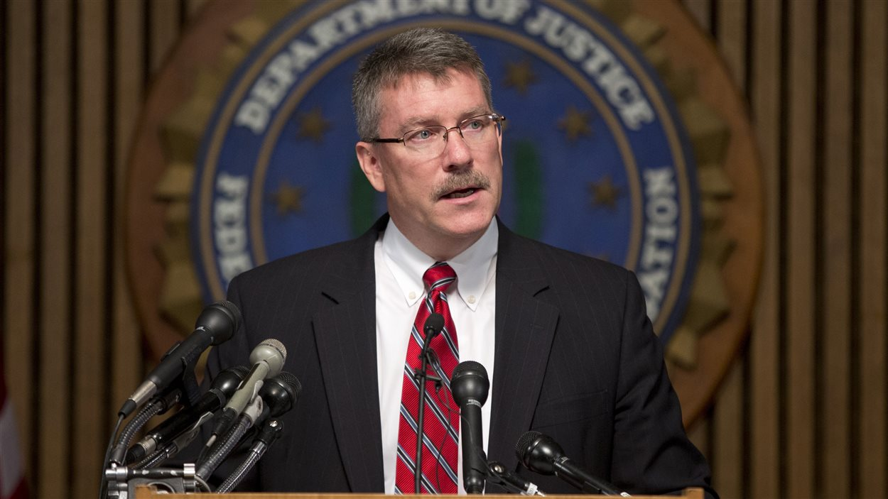 Ronald Hosko, directeur du FBI chargé des enquêtes pénales, en conférence de presse