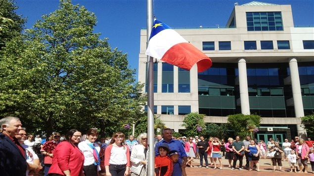 La levée du drapeau acadien à Moncton