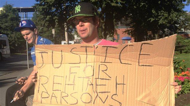 Un partisan de la cause Rehtaeh Parsons à Halifax