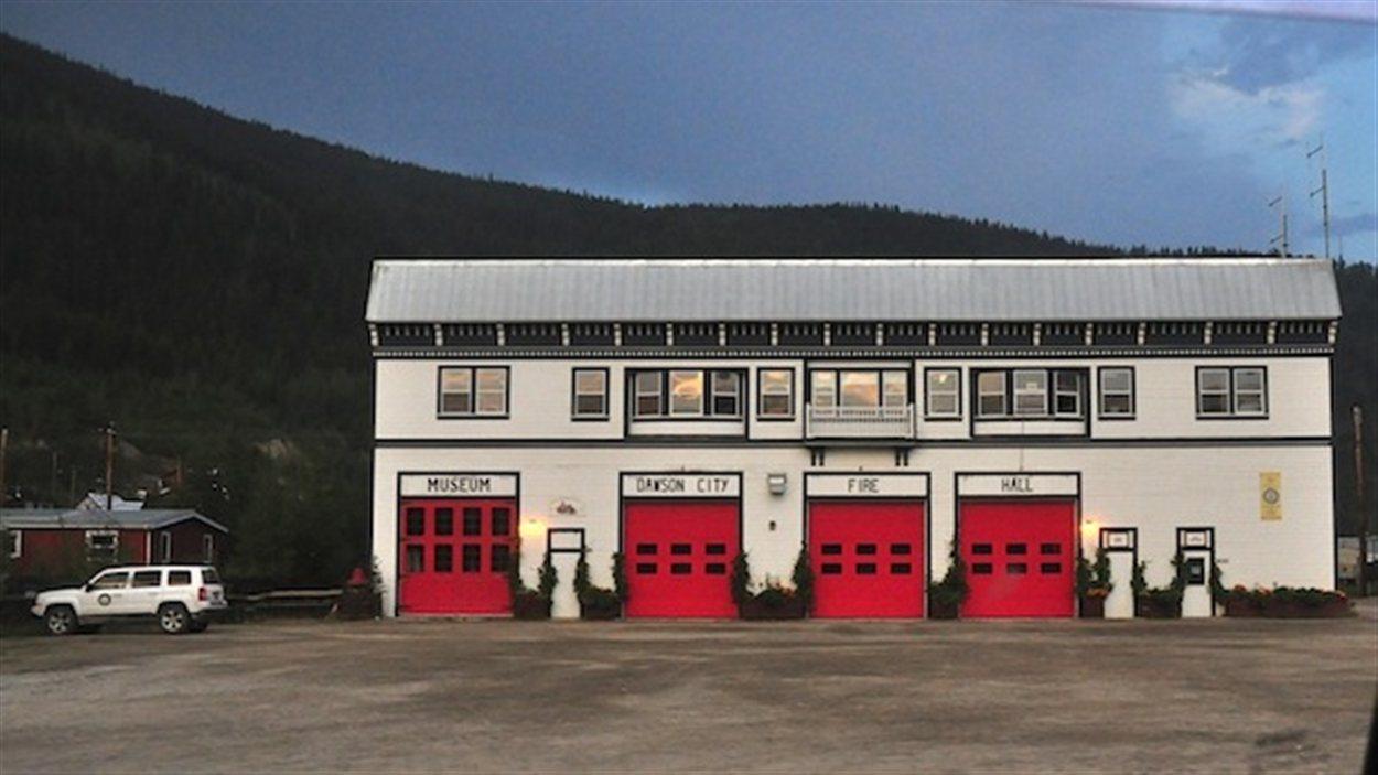 La caserne des pompiers de Dawson City.