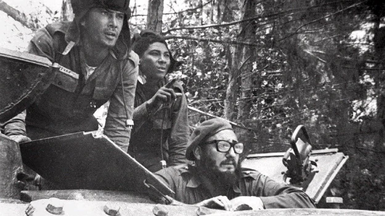Fidel Castro dans un tank, près de la plage Giron, durant l'invasion de la baie des Cochons.