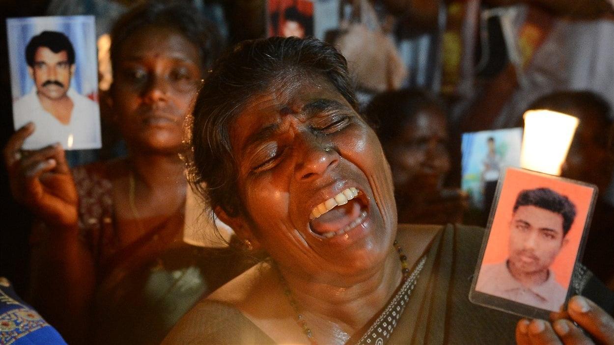 Des Sri-Lankais tentent toujours de savoir ce qu'il est advenu de leurs proches après 25 ans de guerre civile.