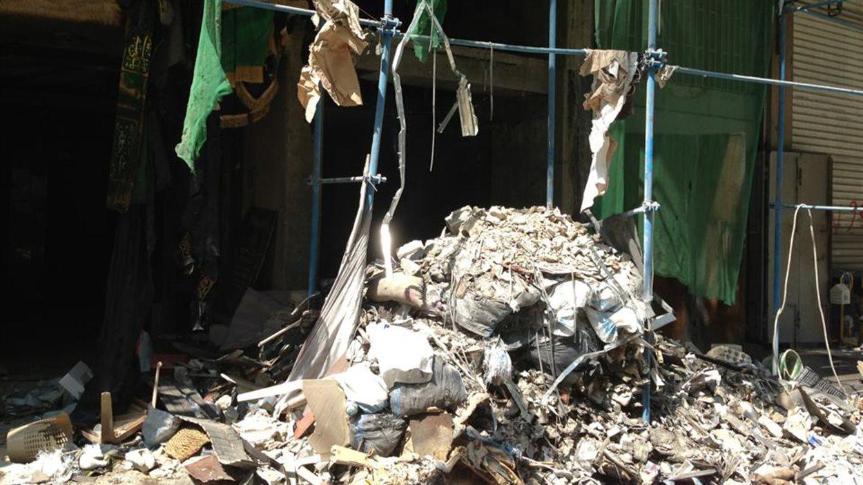 Débris à la suite de l'attentat du 15 août, en banlieue de Beyrouth