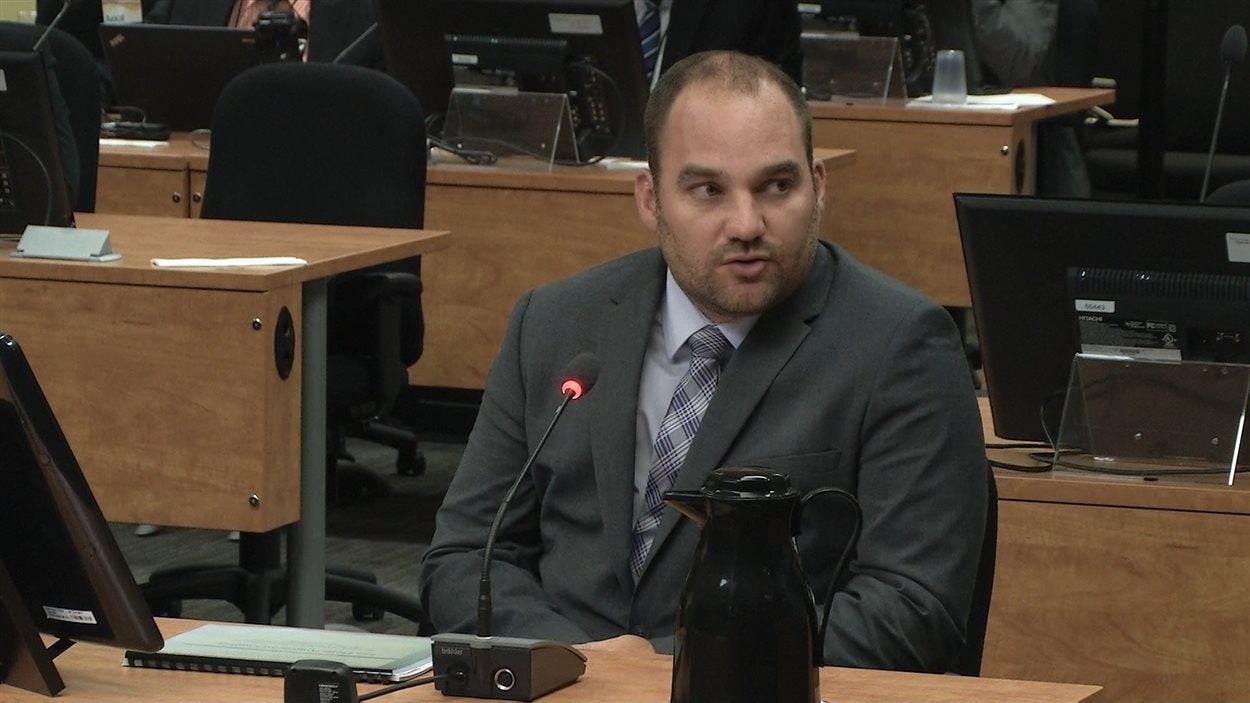 Le sergent-enquêteur Alain Belleau travaille à la SQ au renseignement criminel