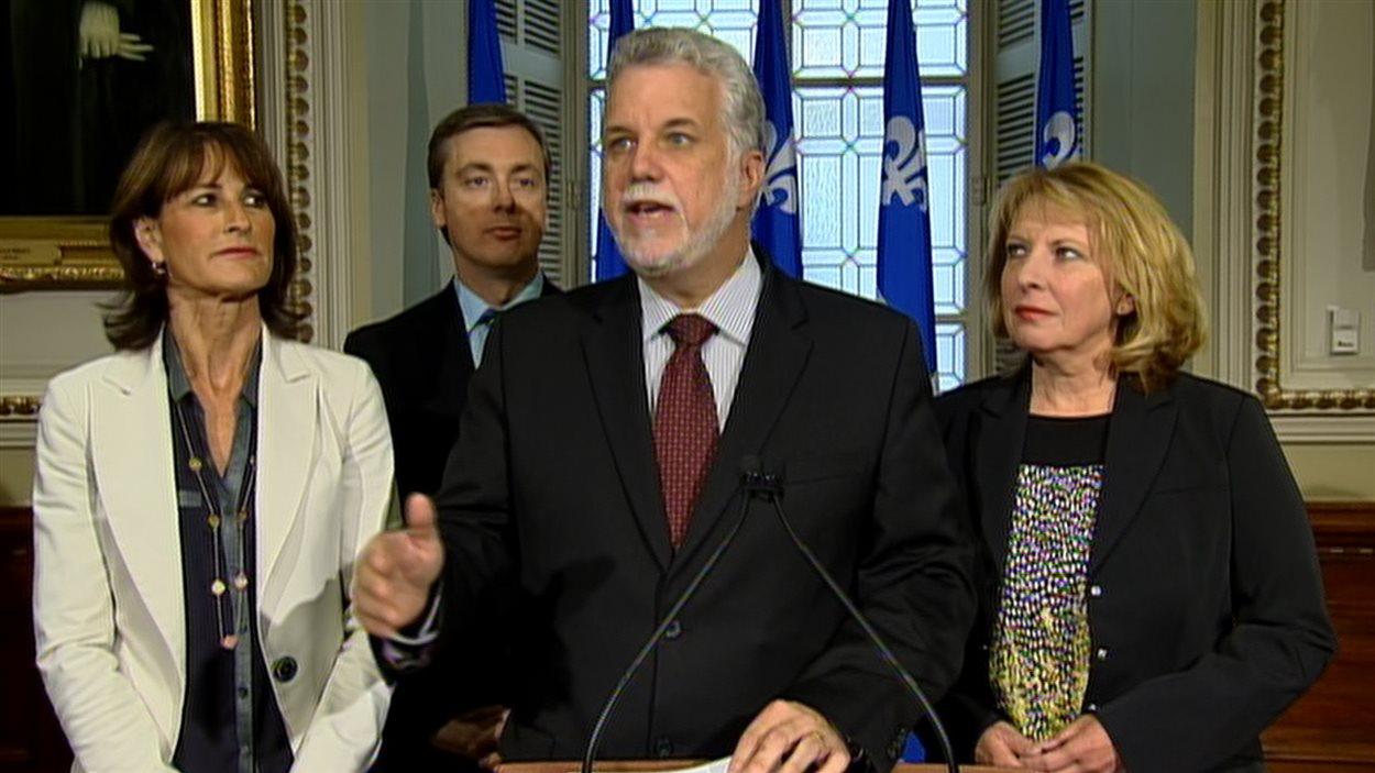 Philippe Couillard, chef du Parti PLQ, se prononce sur la charte des valeurs québécoises.