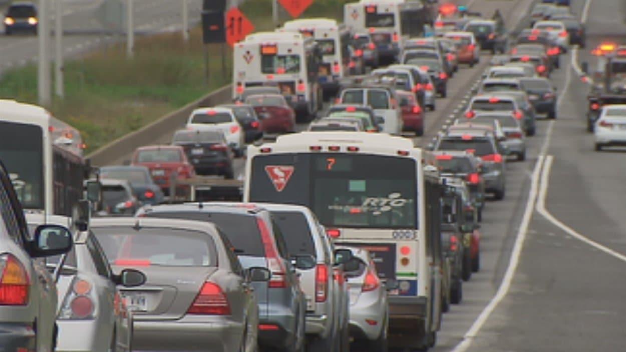 Circulation automobile et autobus