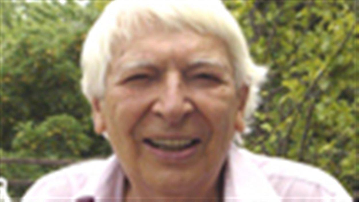 L'ancien professeur et écrivain de Toronto Pierre Léon