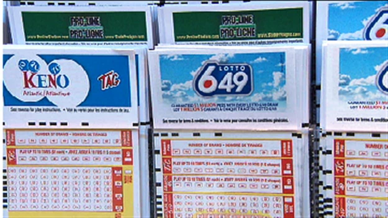 Des billets de la loterie 6/49