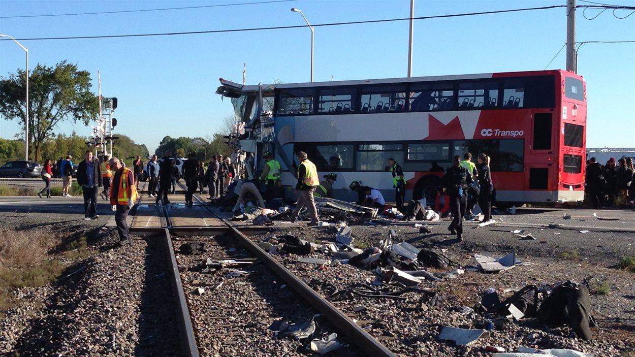 Une collision entre un train et un autobus à Ottawa