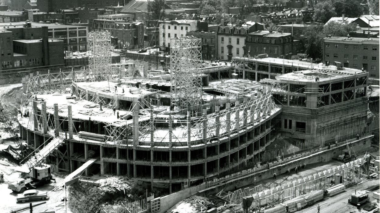 La Place des Arts en construction