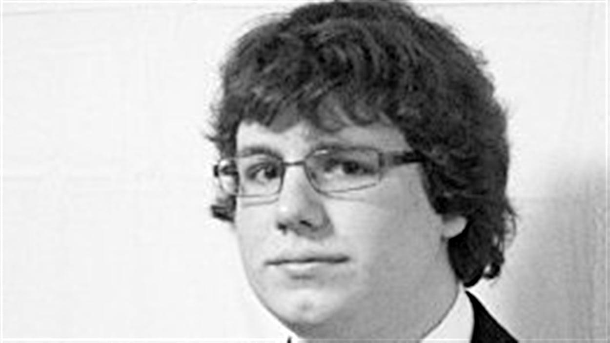 Kyle Nash, âgé de 21 ans, est mort dans l'accident entre un autobus et un train à Ottawa. Il étudiant à l'Université Carleton.