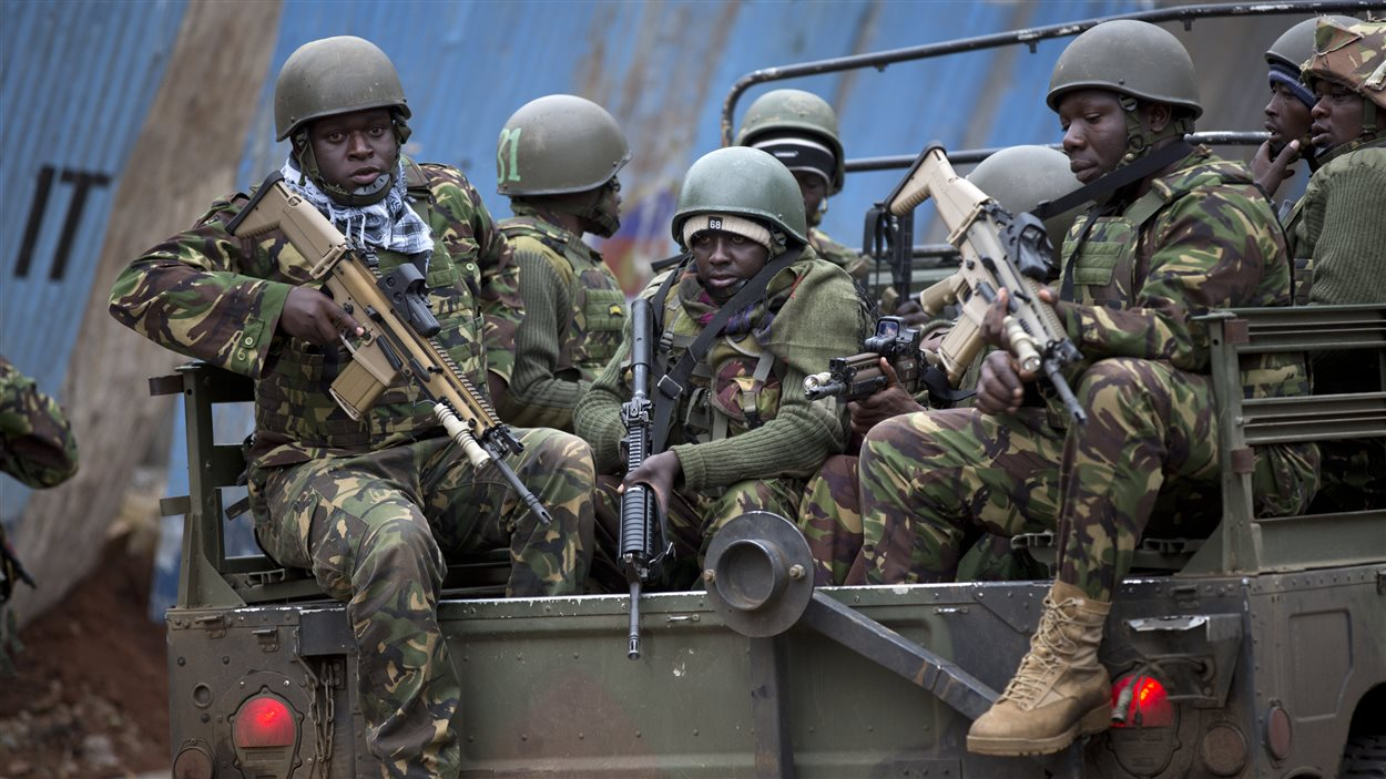 Des soldats kényans arrivent en renfort dimanche.